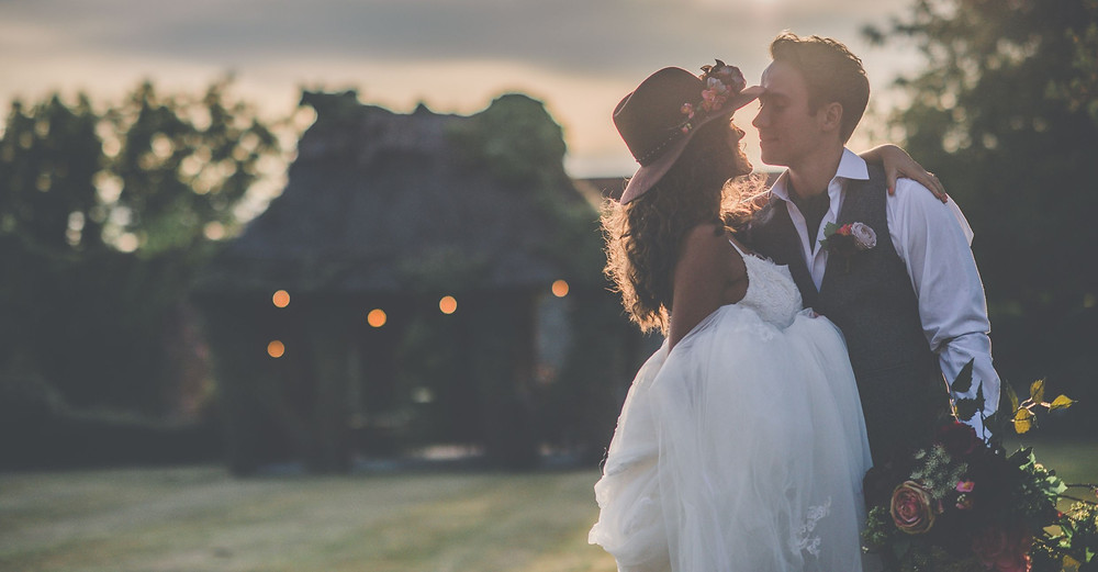 E-Lope Kent | Bride and groom eloping
