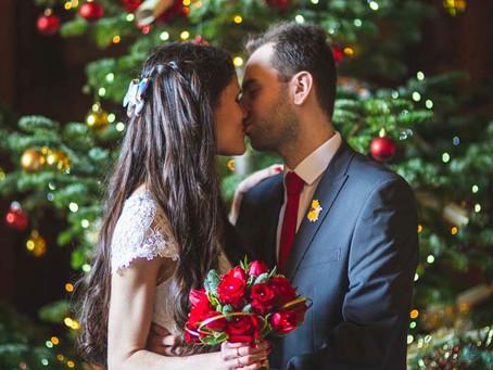 Kat & Stuart - a festive micro-wedding with Disney details