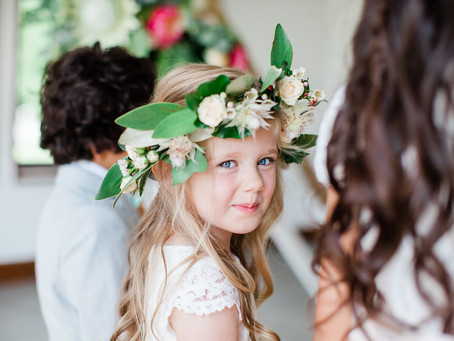 How to keep children entertained at a wedding