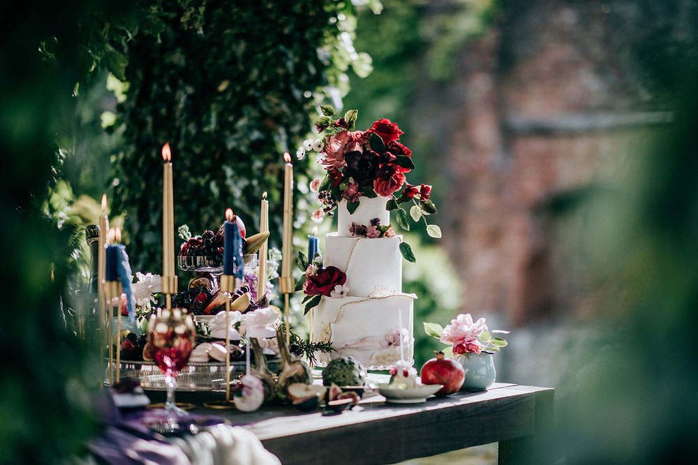 E-Lope Kent | Alfresco wedding reception for intimate wedding or elopement