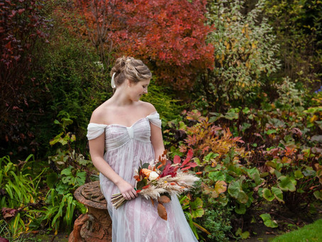 A Regency-Inspired Country House Wedding Shoot
