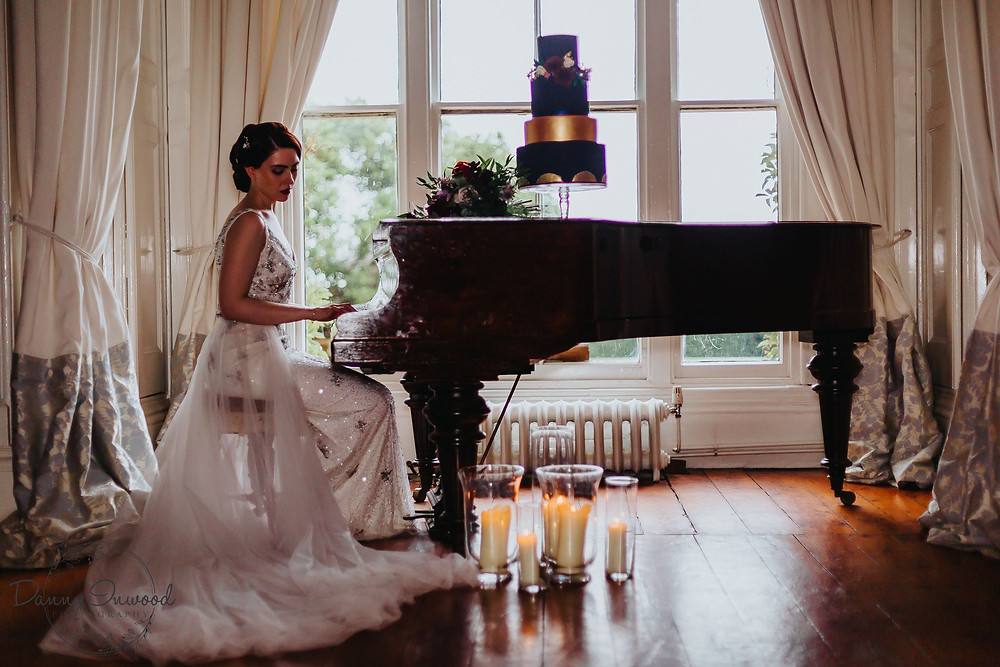 Danny Inwood Photography | Vintage bride playing the piano