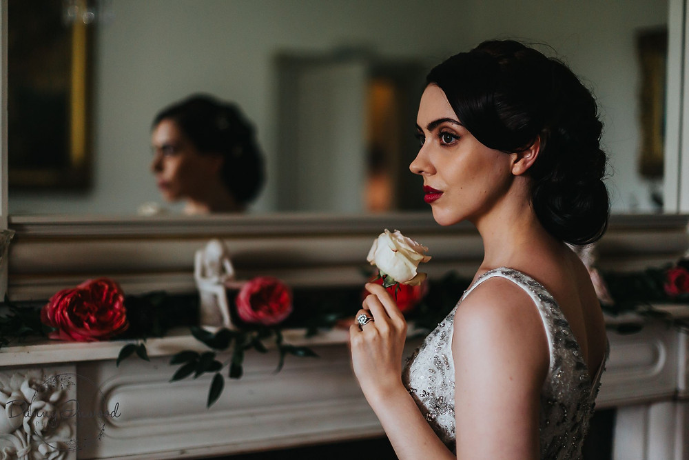 Danny Inwood Photography | Vintage glamour bride with rose