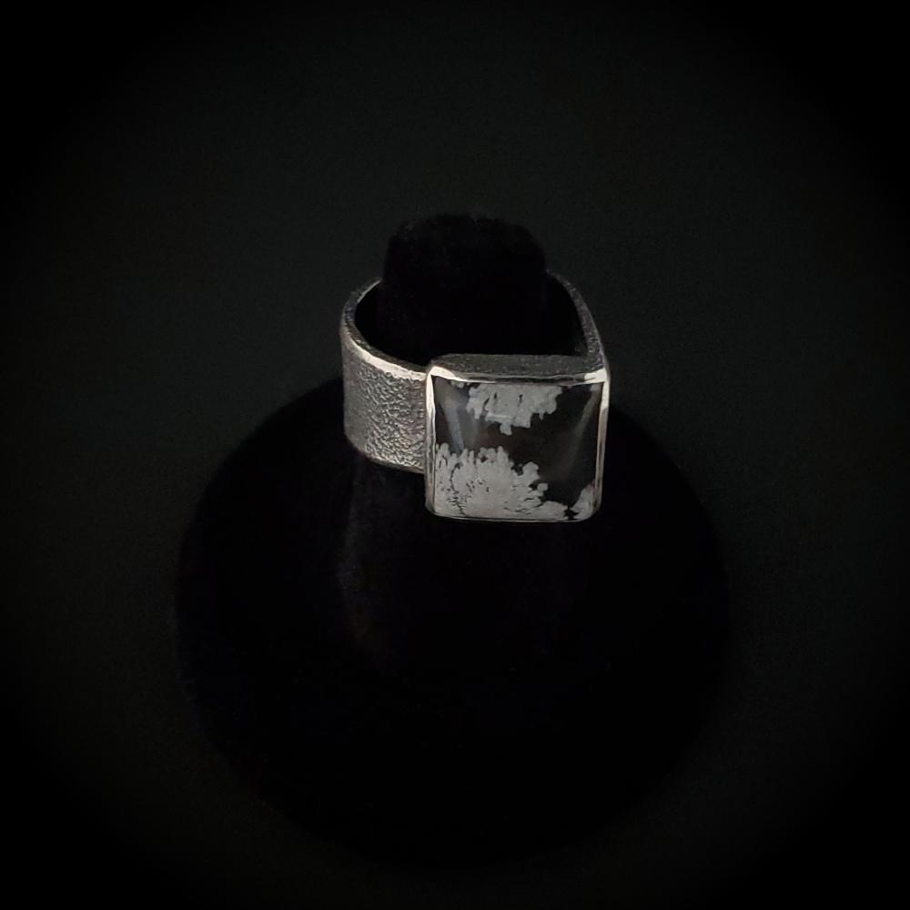 Snowflake Obsidian Overlap Ring