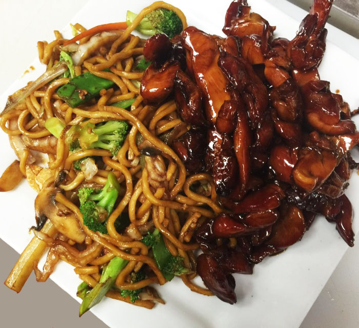 BOURBON CHICKEN w. LO MEIN
