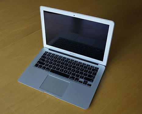 "2012 13""Macbook Air Core i7 2GHZ,8GB,120GB,Yosemit"