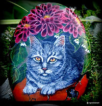 paintings of cats,pet portraits,rock art,paintings on stone,cats