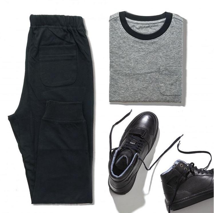 A moda streetwear une descontração e atitude em peças aparentemente simples e básicas. Detalhe: Sneaker Curry Cano Alto Preto Villione