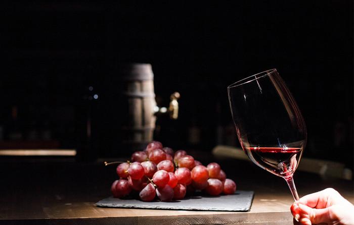 Nunca mais erre na hora de escolher o vinho