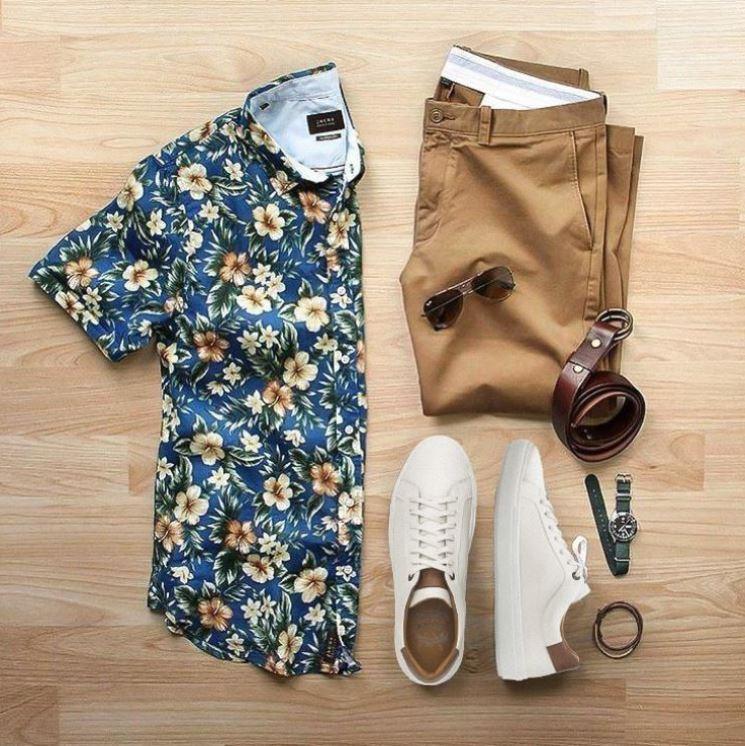 Estampas são a cara do look de verão. Elas mostram que, hoje, a moda masculina é muito mais divertida. Detalhe: Sneaker Blunt White Villione