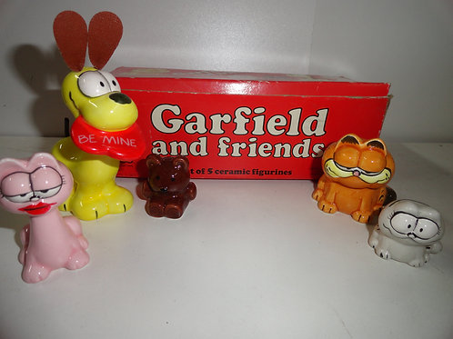 1976 GARFIELD AND FRIENDS CERAMIC FIGURES SET