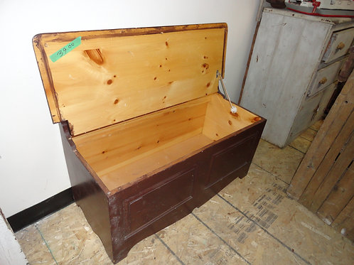 WOOD TRUNK TOY CHEST