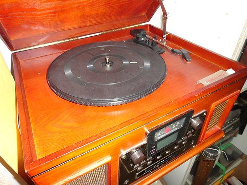 CROSLEY RECORD PLAYER - RADIO - CD PLAYER/RECORDER