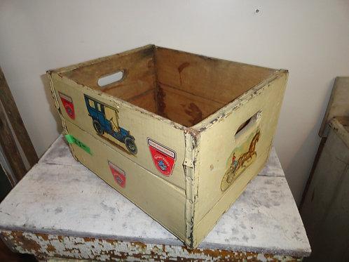FOLK ART ANTIQUE WOOD BOX with handles