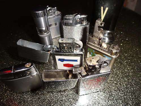 ASSORTMENT OF VINTAGE LIGHTERS