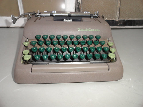 1950's SMITH-CORONA PORTABLE TYPEWRITER