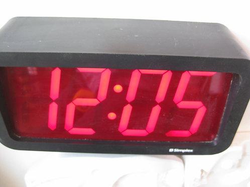 TORONTO TERMINAL 1 AIRPORT DIGITAL CLOCK