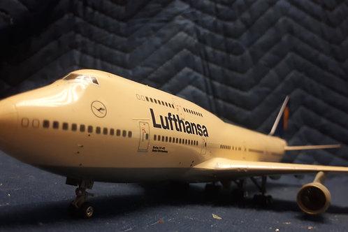 LUFTANSA BOEING 747 DIECAST AIRPLANE 1:200