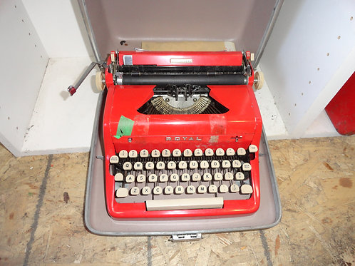 ROYAL VINTAGE MANUAL TYPEWRITER AND IT'S RED!