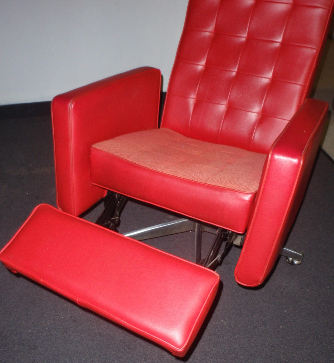 vintage cool red chair