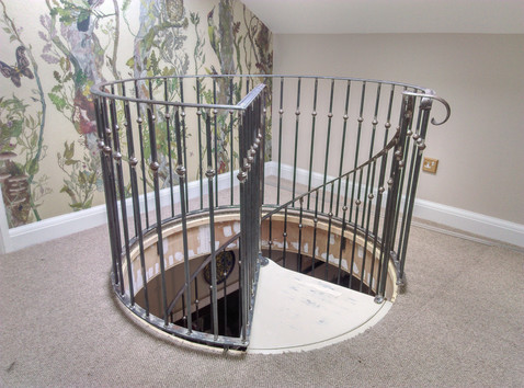 Spiral staircase balcony