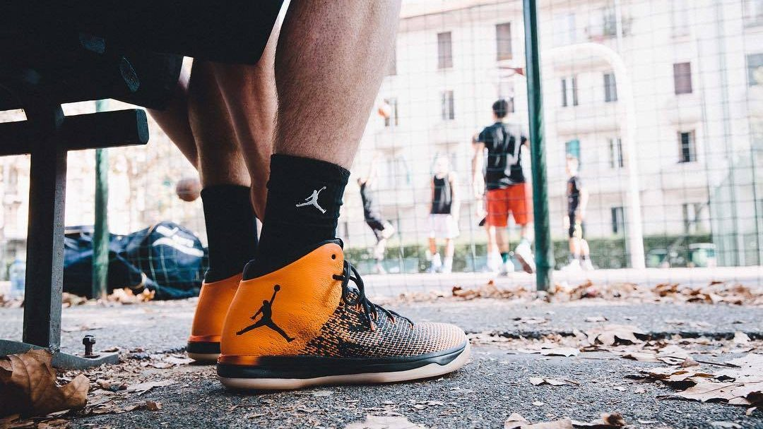 air-jordan-xxx1-shattered-backboard-on-feet-1080x608