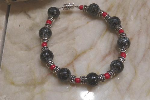 Black & Red Glass (35) -Bracelet : Beaded