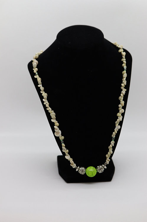Speckled Umbonium Shells Green Glass (167) - Necklace : Beaded