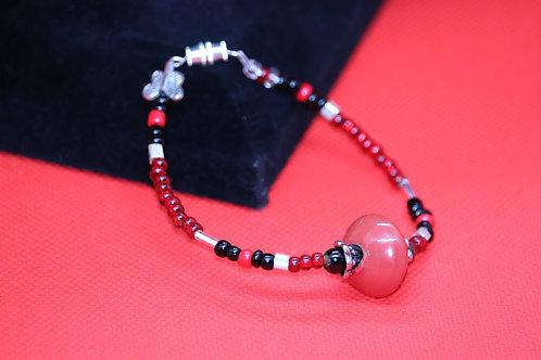 Black & Red Glass (35) - Bracelet : Beaded
