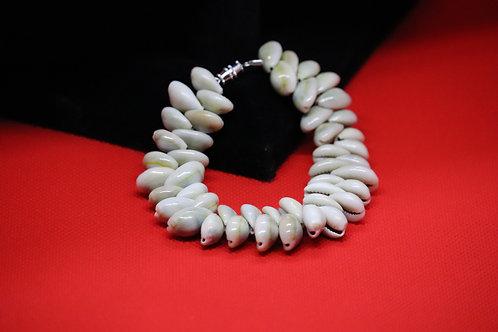 Small Cowrie Shell (47) - Bracelet : Beaded