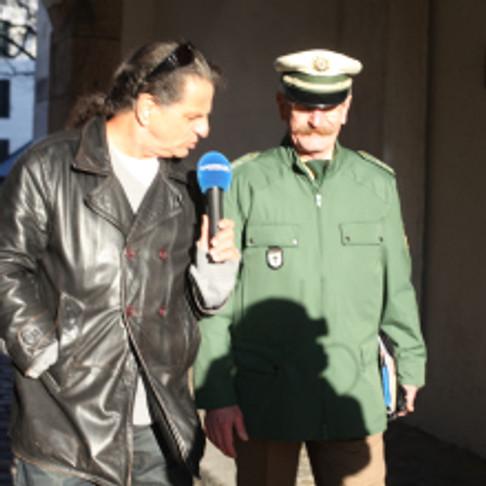 Ali Khan und der Münchner Held und Kontaktbeamte Erwin Noll im Dillgurkeninterview.