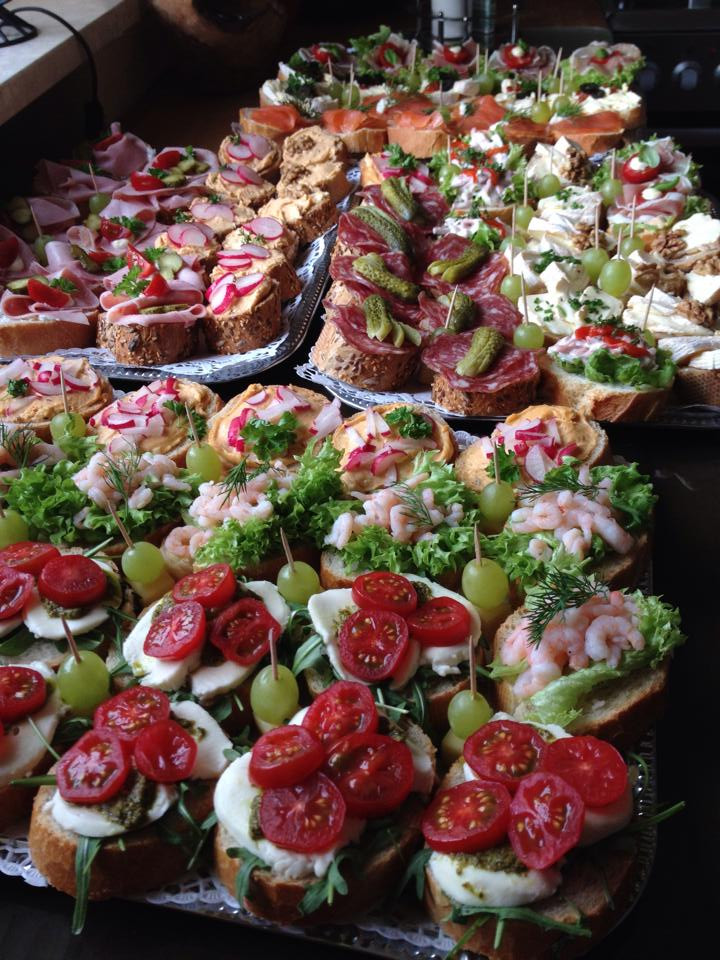 I`ve been on tour for years, thats why I like this photo of the catering at my 60th birthday. Ali Khan