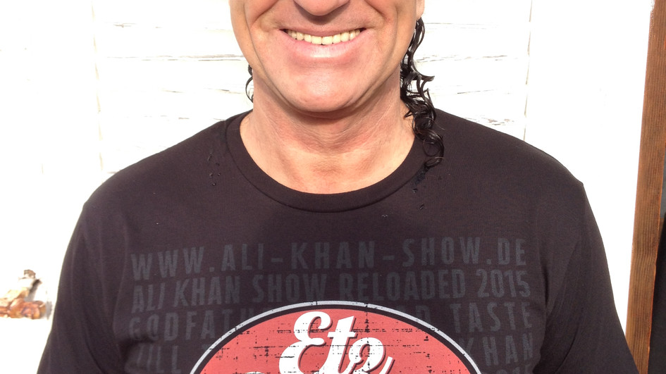 Offizielle ALI KHAN SHOW-RELOADED-t-shirts available by oberland.la/alikhan