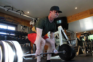Kevlar Performance - Man deadlifting in Burlington, ON