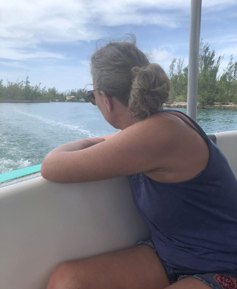 Kate Mackinnon in the Bahamas