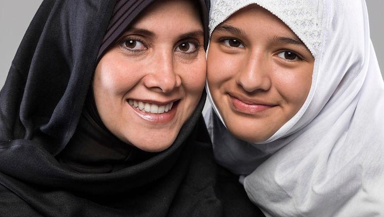 o-MUSLIM-FAMILY-facebook_edited.jpg