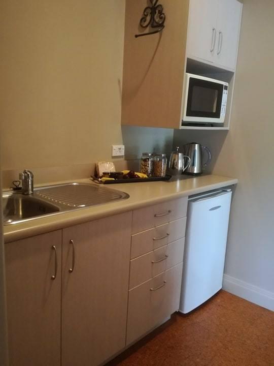 CH karapiro kitchen