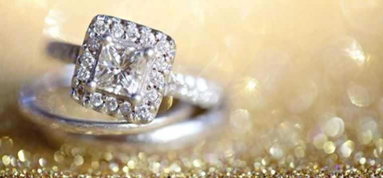 184958_gold-and-black-wedding-ideas-with