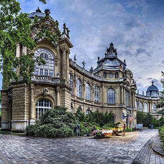 Budapest Explorer Full-Day Tour