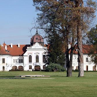 Gödöllő Tour With The Lázár Equestrian Park
