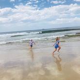 Wild, free and vitamin sea 🌊 •_#familyv