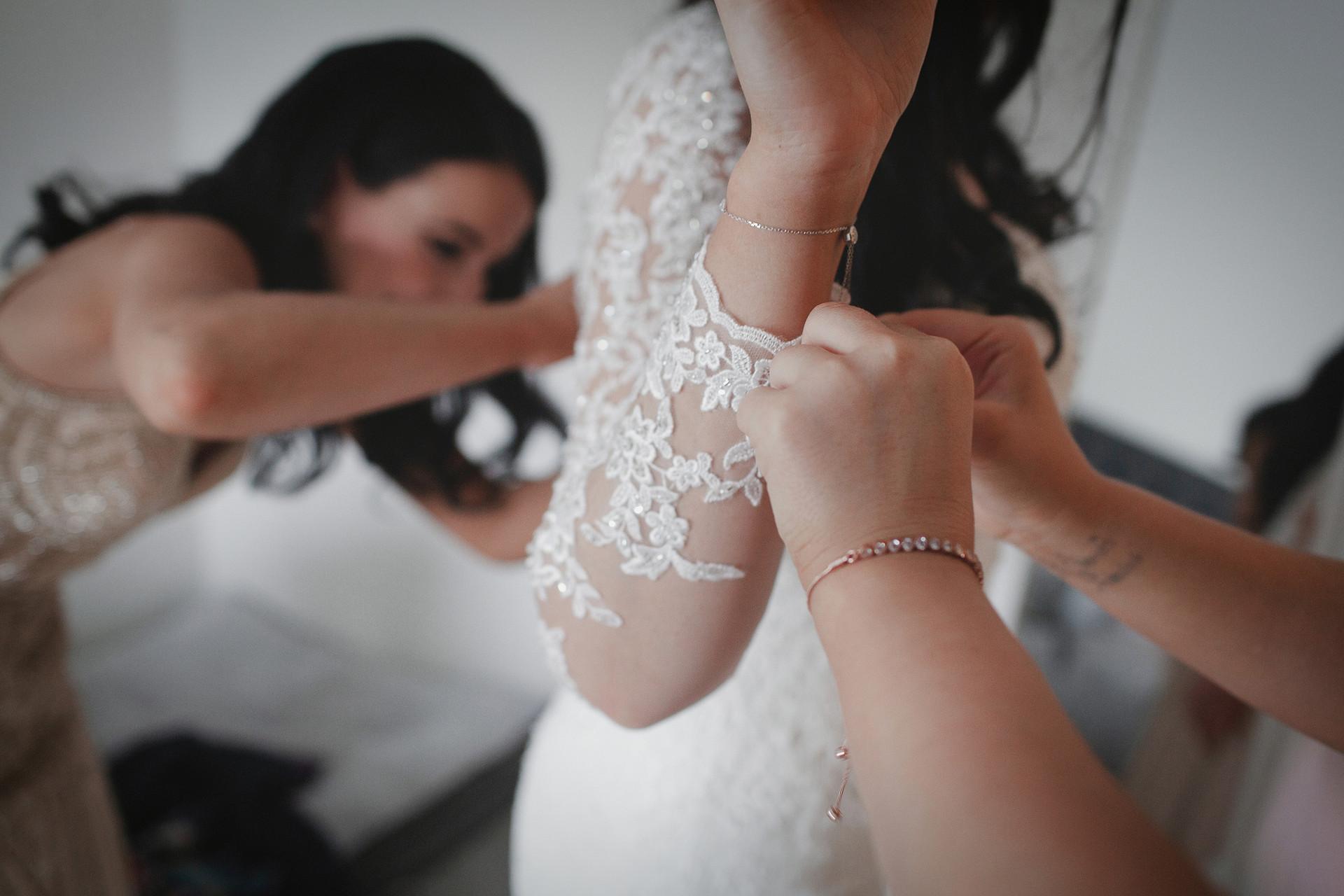 01_Bridal_Prep-185.jpg