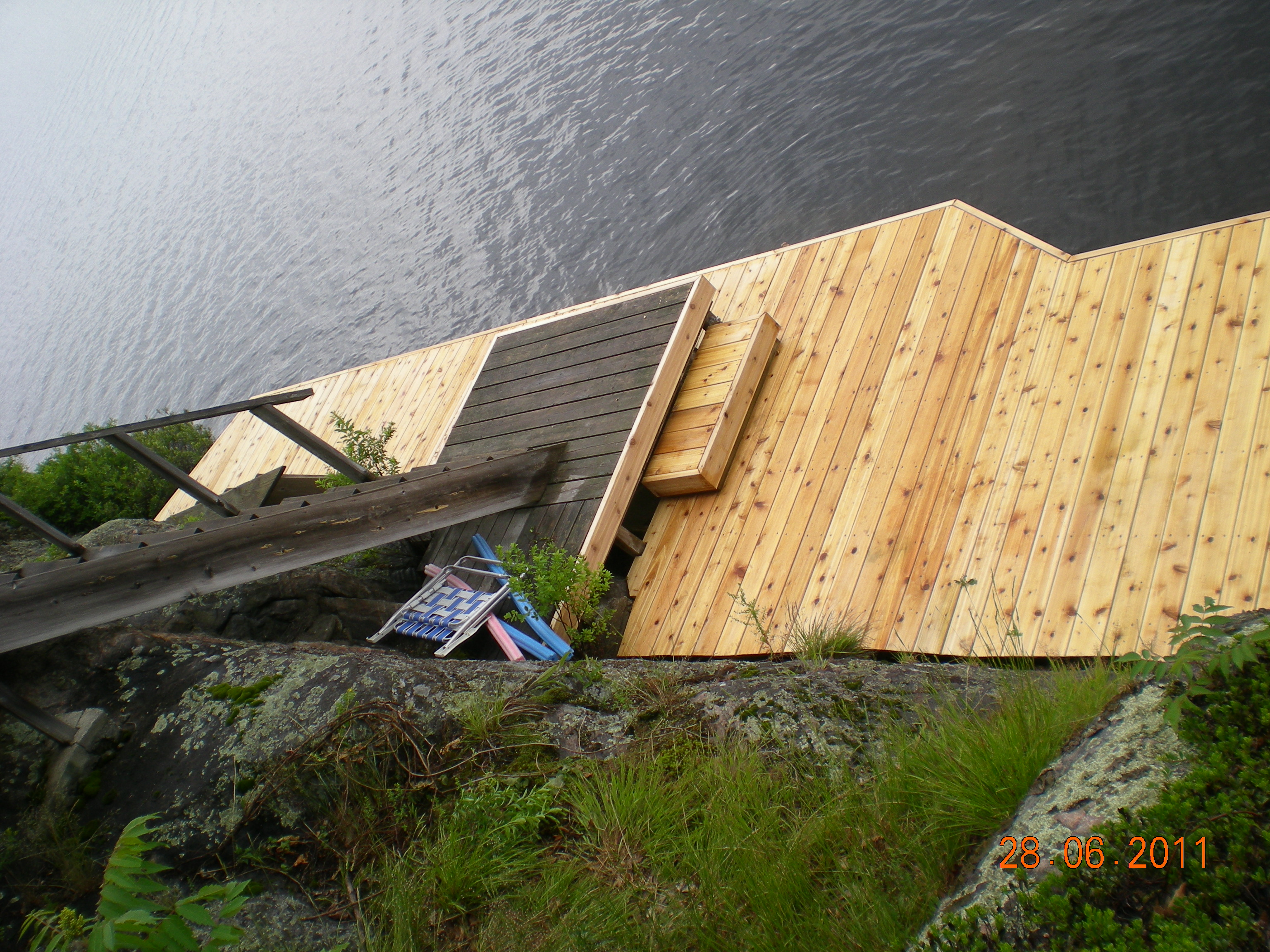 8ft x 40ft Dock On A Vertical Rock