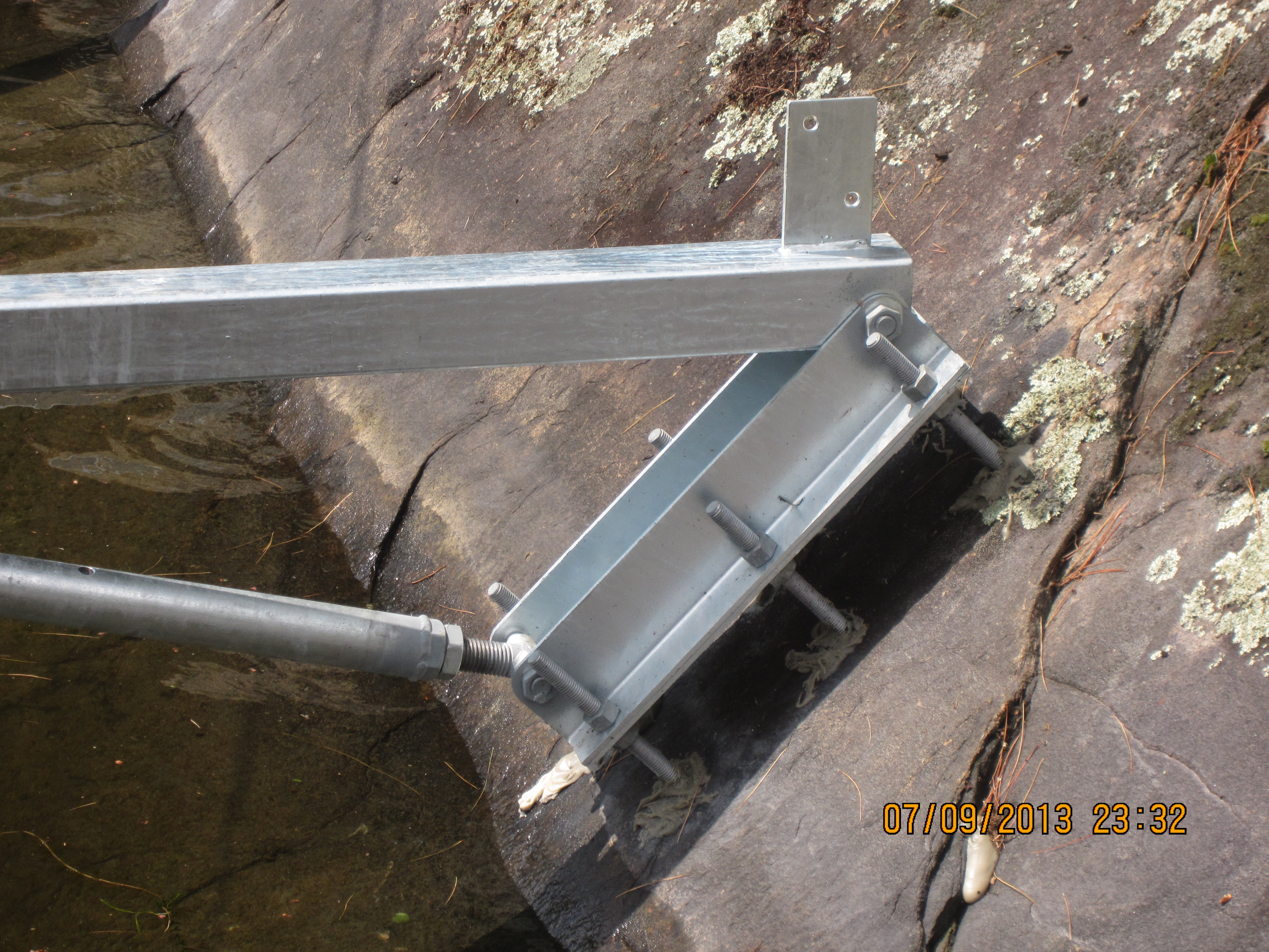 Dock to Rock Mounting System