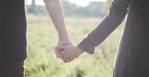 Est-ce qu'être en couple nous rend heureux ?