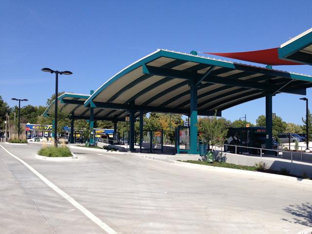 Metcalf & Shawnee Mision Parkway Bus