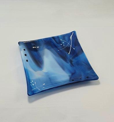 Lekkert fat i nydelige blåtoner. 15 x 15cm