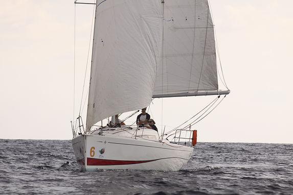 Bateau dans l'ocean, Jeanneau