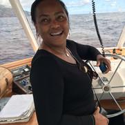Mme Marye Etzol, présidente de la communauté de Communes de Marie-Galante, donnant le départ à La Palma