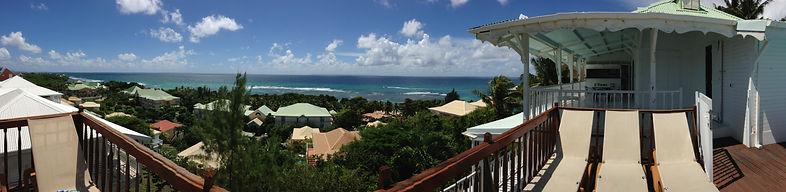 vue villa  piscine de la villa de la residence du lagon a l'anse des rochers